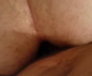 pov gay anal amatør video. en behårede pik i en behåret røv. amatør, pov gay anal amatør video