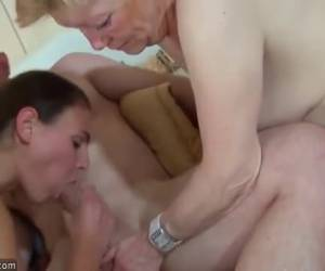 In a trio sex whiteh an older woman